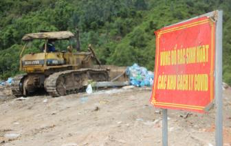 Đà Nẵng: Nhân viên thu gom rác thải vùng cách ly được tiêm vắc xin COVID-19