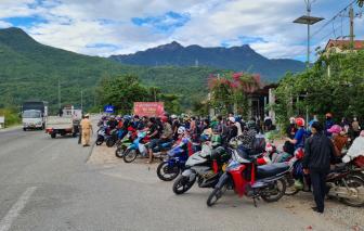 Nhiều người đi xe máy từ TPHCM về Thừa Thiên - Huế nghi mắc COVID-19