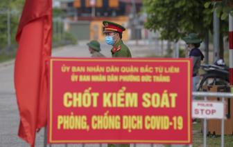 Người dân Hà Nội bắt đầu dùng phiếu đi đường khi ra khỏi nhà