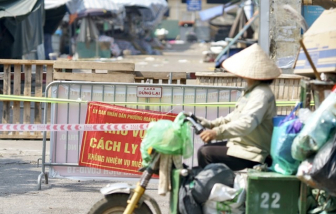 Phong toả chợ đầu mối lớn nhất Hà Nội vì tiểu thương là F0