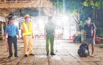 Người đàn ông đi bộ hơn 400 km từ Bình Phước về Cà Mau tránh dịch