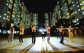 Sài Gòn vẫn hát