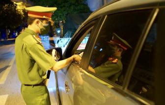 Hà Nội: Trắng đêm kiểm soát lý do ra đường của người dân