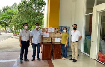 Cộng đồng người Việt ở nước ngoài tặng 30.000 khẩu trang N95 cho TPHCM