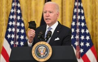 Tổng thống Biden tăng cường hạn chế COVID-19, người dân Mỹ phản đối