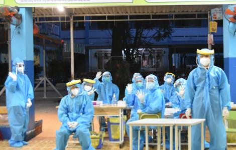 44 bác sĩ tư vấn chăm sóc sức khỏe cho người dân về phòng chống dịch COVID-19