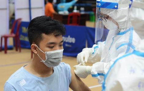 Đà Nẵng kêu gọi nhân viên y tế về hưu tham gia chiến dịch tiêm vắc xin COVID-19