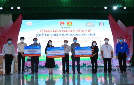 Quỹ từ thiện Kim Oanh tặng thiết bị y tế giúp các tỉnh Bình Dương, Long An và Đồng Tháp trị giá 4,5 tỷ đồng