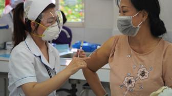 Bộ Y tế phân bổ vắc xin cho TPHCM ra sao?
