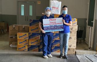 """Báo Phụ Nữ TPHCM tiếp tục """"Kết nối sẻ chia vì tuyến đầu chống dịch"""" đến các bệnh viện"""