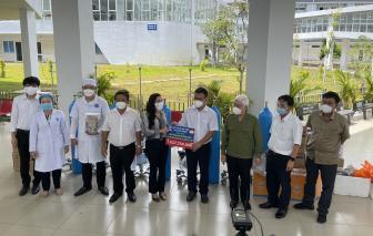 Quỹ từ thiện Kim Oanh tiếp tục tặng 10 máy trợ thở giúp tỉnh Bình Dương phòng, chống dịch COVID-19