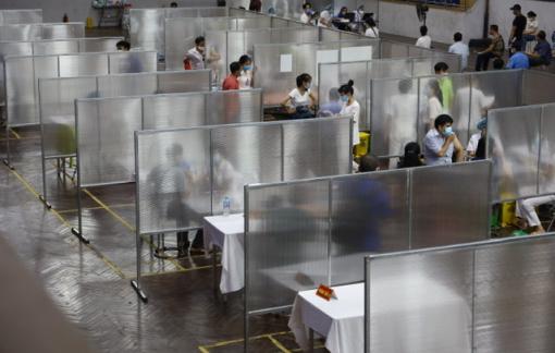Điểm tiêm vắc-xin theo tiêu chuẩn bệnh viện dã chiến đầu tiên của Hà Nội