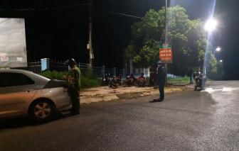 10 người đi bộ từ Bình Dương về Đắk Lắk tránh dịch