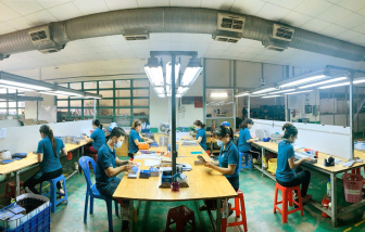 Doanh nghiệp chật vật duy trì sản xuất