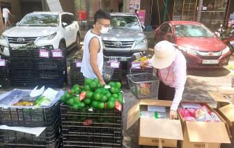 Mang siêu thị đến tận nhà dân trong mùa dịch