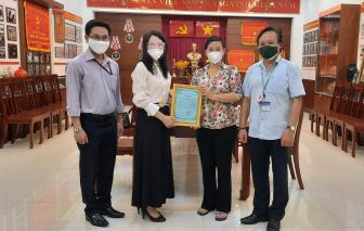 Bà con kiều bào hỗ trợ 1 tấn gạo tiếp sức người dân TPHCM chống dịch