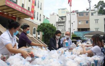 TPHCM thành lập Trung tâm hỗ trợ người dân khó khăn do dịch COVID-19