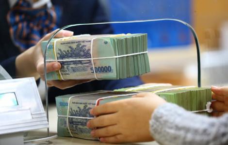Ngân hàng Nhà nước phải can thiệp để một F0 được rút tiền tiết kiệm