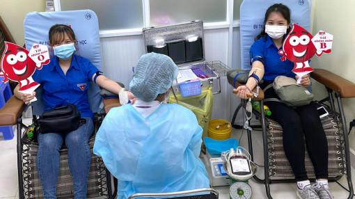 """Cần """"luồng xanh"""" cho quỹ máu cứu người"""