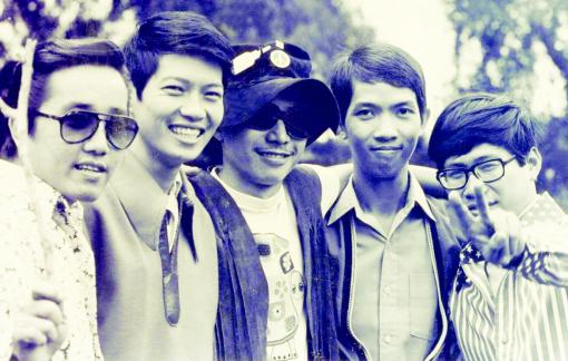 Lê Hựu Hà, Nguyễn Trung Cang: Náu mình vào âm nhạc mà yêu đời, yêu người