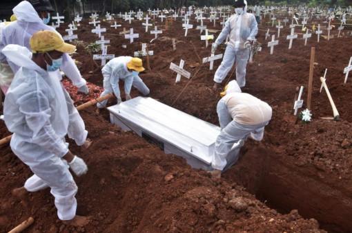 Giấu giếm con số tử vong do đại dịch COVID-19 có thể làm nguy hại cho nhân loại