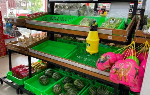 TPHCM: Sau 3 ngày siết giãn cách xã hội, siêu thị, cửa hàng quá tải đơn hàng