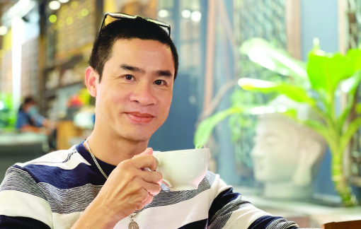 Nhà thơ Nguyễn Phong Việt: Tôi nói chuyện được với nỗi buồn của tôi