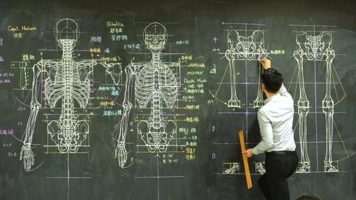 Thầy giáo gây sốt với những bức tranh trên bảng đen