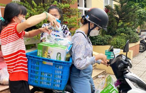 Cán bộ Hội giờ chỉ lo… đi chợ giúp dân
