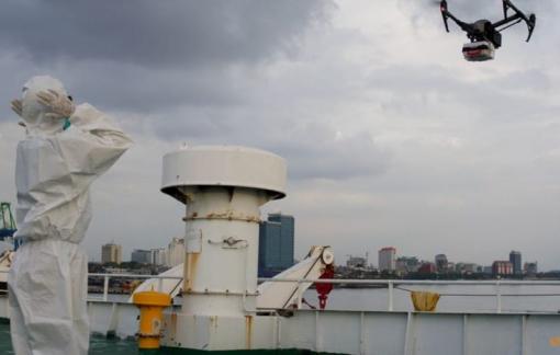 Indonesia dùng máy bay không người lái giao hàng thiết yếu cho bệnh nhân COVID-19 bị cách ly