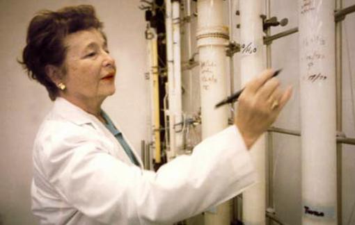 Gertrude B.Elion chứng minh khoa học vừa là đam mê, vừa là thiên chức của phụ nữ