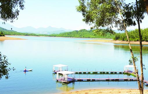 Thăm Phú Ninh, hồ lớn nhất miền Trung