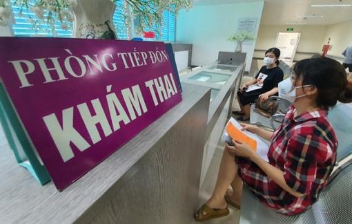Ngày đầu tiêm được hơn 500 liều vắc-xin Pfizer cho thai phụ tại Hà Nội