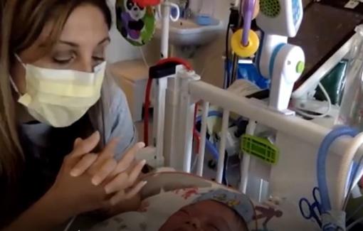 Mỹ: Bệnh viện ngừng đỡ đẻ vì y tá nghỉ việc phản đối tiêm chủng bắt buộc
