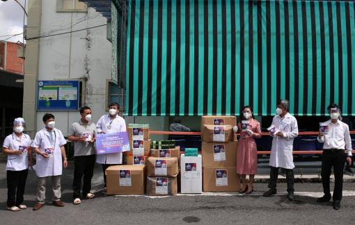Quỹ từ thiện Kim Oanh tiếp tục hành trình cùng ngành y tế phòng, chống COVID-19