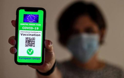 Các nước trên thế giới triển khai thẻ xanh COVID-19 như thế nào?