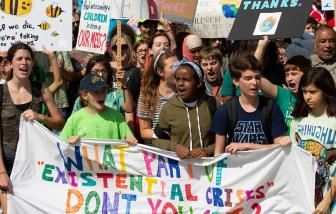 75% giới trẻ thế giới lo sợ về tương lai do biến đổi khí hậu