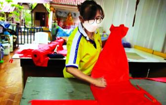 Biến rác thải thành đồ bảo hộ chống COVID-19