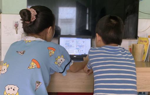 Hơn 75.000 học sinh ở TPHCM gặp khó khăn để học trực tuyến