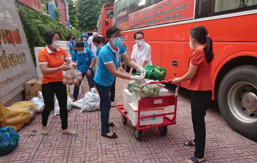 Thêm 38 tấn hàng hóa từ các tỉnh, thành chia sẻ cho phụ nữ TPHCM