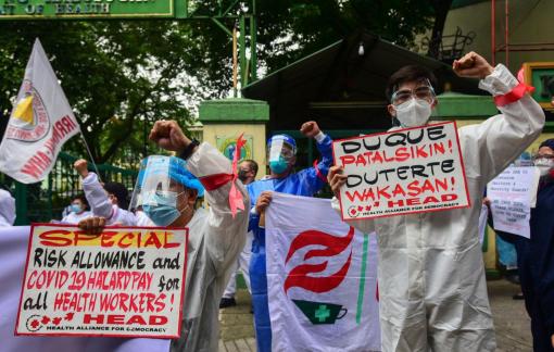 Hàng loạt y tá xin nghỉ việc, Philippines thiếu hụt nhân lực trầm trọng