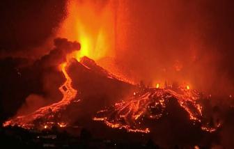 Hơn 5.000 người sơ tán khẩn cấp vì núi lửa phun trào ở Tây Ban Nha