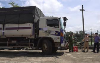 Đắk Nông: Tạm giữ người đàn ông lái xe không có giấy phép, tông gãy nhiều barie chốt kiểm soát dịch