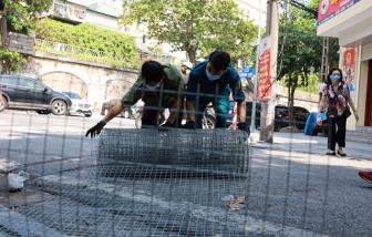 Dỡ bỏ rào chắn dây thép gai, phố cổ Hà Nội trở lại trạng thái bình thường