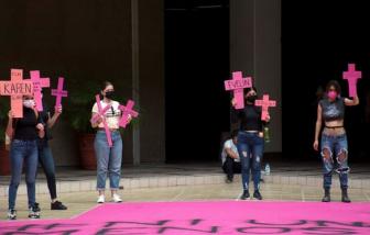 Ít nhất 10 phụ nữ và trẻ em gái bị sát hại mỗi ngày tại Mexico