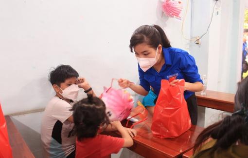Nestlé Việt Nam trao tặng quà cho thiếu nhi bị ảnh hưởng bởi đại dịch COVID-19
