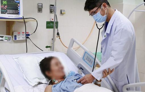 Một phụ nữ suýt mất mạng vì tự chế thuốc phòng ngừa COVID-19