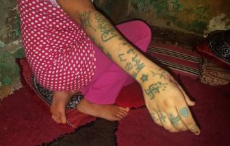 Niềm vui của cô gái trẻ người Ma-rốc suốt 3 năm tố cáo 11 người đàn ông bắt cóc và hiếp dâm mình