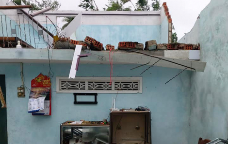 Quảng Ngãi xảy ra lốc xoáy làm nhiều nhà bị tốc mái