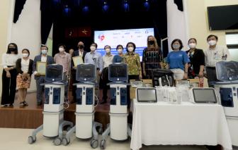 Hiệp hội Thương mại Mỹ tại Việt Nam trao tặng trang thiết bị y tế hỗ trợ phòng, chống dịch